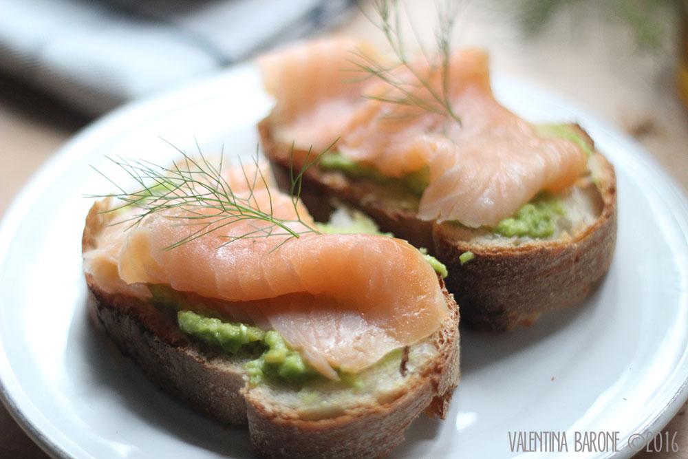crostini_fave_salmone